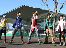 KamenRiderTaisen cast15.jpg